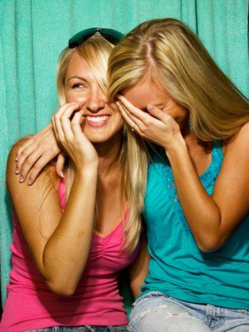 e7ebdccdb2280b Go for the kiss not a hug jpg 358x477 Women kiss you